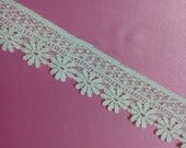 1-1/2 inches white cotton lace flower lace tape
