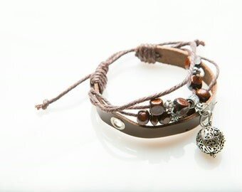 Aromatherapy locket leather bracelet with essential oil