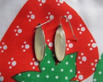 Silver Tone Mother of Pearl Pierced Earrings Dangle Style Earrings