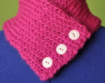 Magenta Knitted Scarflette