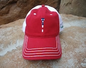 Men's Two-Tone Cotton Golf Hat Red with Embroidered USA Flag Tee Design | Great Golf Gift Item