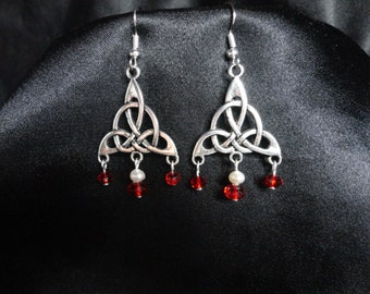 Outlander Inspired Celtic Triquetra Knot Earrings