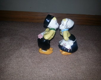 Vintage Dutch Kissing Courting Pair of Salt and Pepper Shakers Black Outfit