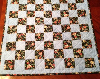 Mini quilt or table topper