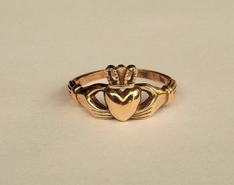 Claddagh Ring Wedding Band Ring in 10 k Yellow Gold