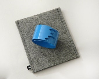 Leaking Bracelet- blue