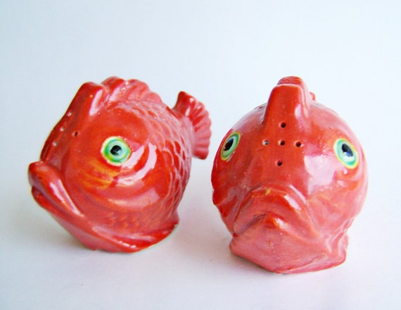 Vintage Goldfish Salt And Pepper Shakers Painted Whiteware
