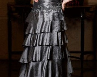 Mother of the Bride/Groom dress; Formal Special Occasion Evening gown; Silver Ruched Taffeta /Lace/ Bead; Floor-length Wedding gown; Size 14