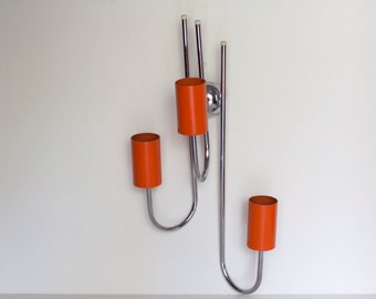 Wall lamp, Orange and chrome-plated metal. Anni ' 60, 60s, 3 light points, space age, lighting, home decor.