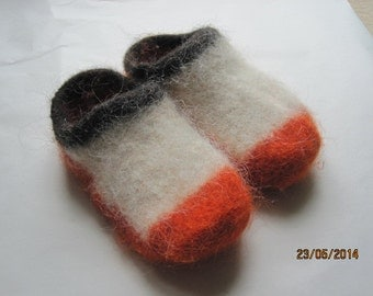Children size  felted clogs slippers house shoes warm 100 % Icelandic pure wool comfy cute slippers. Made to order