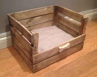 Animal / pet bed, with wooden motif for your dog or cat.