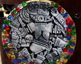 El Arco Iris Abrazando la Luna , Coyolxauhqui inspired wooden earrings