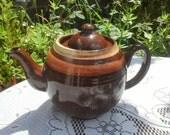 Large 1930's / 1940's English Vintage 2 Pint Brown Betty Teapot