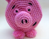 Piggy, pig, toilet roll cover, crochet, amigurumi, yarn, retro, kitsch, cloud, hand crochet, hand made, unique, 1950s, era, bathroom, toilet
