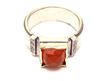 Sterling Silver Ring with Carnelian & Gold 9Ct