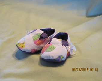 Girls Mary Jane Style Fabric Baby Booties: Item 0024