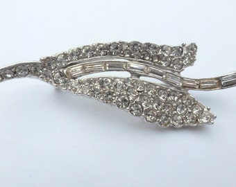 Vintage rhodium plated with pave rhinestones and baguette rhinestone leaf brooch AB61