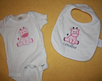 Personalized Baby Giraffe Bib and Bodysuit Set
