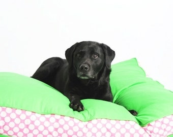 Two-Tone Refreshers Dog Bed - Green and Daisy