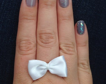 White bow ring