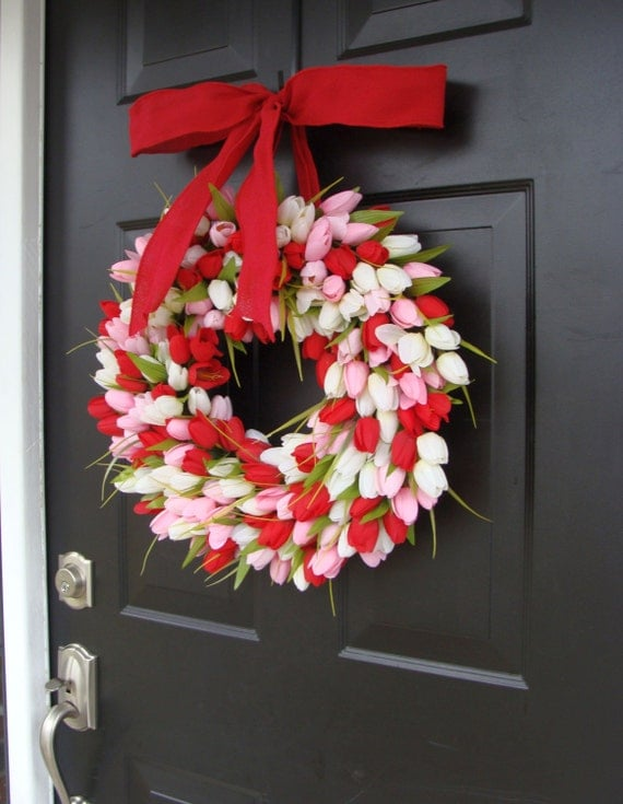 Valentine's Day Wreath- Valentine's Day Decor- Valentine Decoration- Tulip Wreath