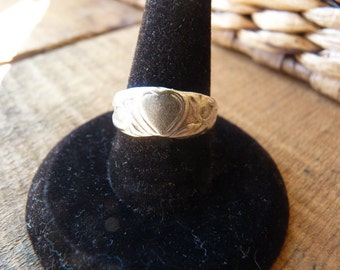 Antique Silver Ring with Heart