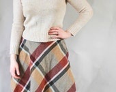 Fall 2014- The best autumn wool collegiate skirt ever- SMALL Wool