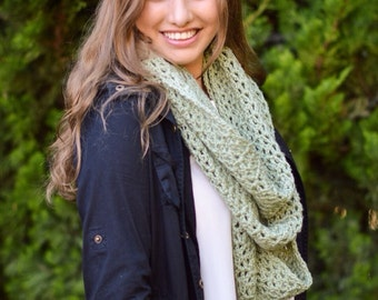 Infinity Scarf, Chunky Cowl, Crochet Scarf, Infinity Cowl, Circle Scarf, Over Sized, Frosty Green Scarf - MADE TO ORDER