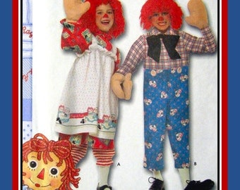 RAGGEDY ANN & ANDY- Children's Costume Sewing Pattern-Complete Wardrobe-Pinafore-Bloomers-Pants-Wigs- Mitten Hand- Uncut -Size 3-8-Rare Opp