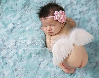 Cyber Monday deal. Baby Angel wings, baby feather wings in white . Great newborn photography prop