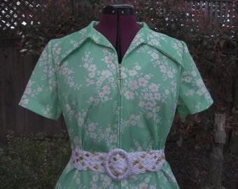 1970s Dress - Waitress Dress - Polyester Dress - Mod Dress - Zipper Front Dress - Floral Dress - Three R's Dress - 1960s Dress - Size 16 1/2