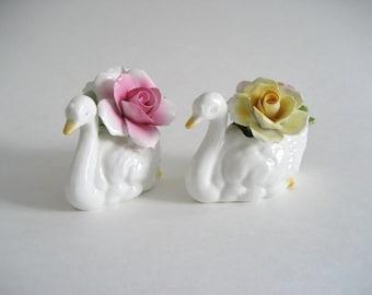 Pair Porcelain Swans Rose Floral Bouquets