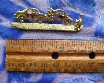 CAT Causes Car Crash PIN, Golden Metal Kitty Brooch 3 Inches Long, Car Wreck Cats Vintage Funny Jewelry That Tells a Story