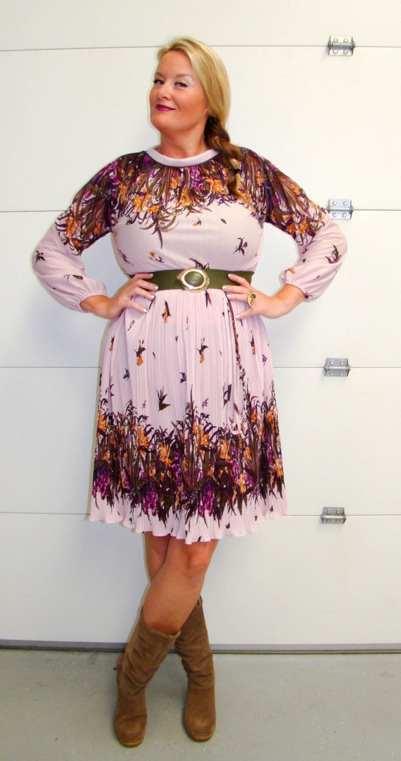 Vintage 1970's Mauve Pleated Dress with Floral Print In Brown/Olive/Purple/Orange XL/1XL