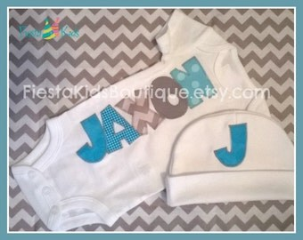 Personalized baby outfits for boys, coming home outfit boy, newborn boy clothes, baby photo outfits, fabric applique