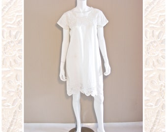 Vintage floral cut out lace white dress 1980s.