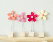 Flower Stick Pin - Crocheted Jewellery