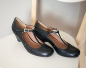 1990s Black Mary Jane Heels // 90s Buckle T Strap Black Mary Jane Leather Heel Shoes // Womens 5.5 Seven US / 35.5 EU / 3 UK