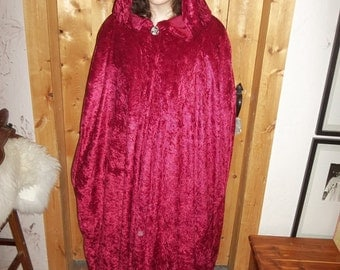 Burgundy cloak in crushed panne with a Goddess button closure.
