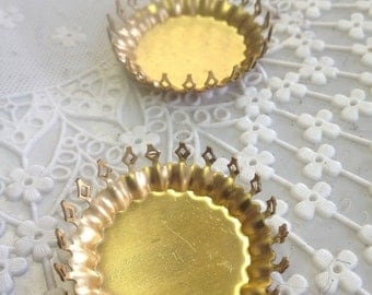 Lace Edge Cupcake Bezel (2 pc)