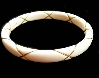 Vintage Retro Bangle Bracelet with Gold Wire Design Lucite 1960s