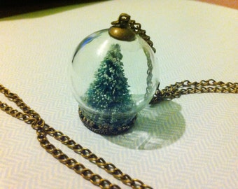 Christmas Tree Snowglobe Necklace