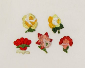 Lot of 5 vintage small floral appliques