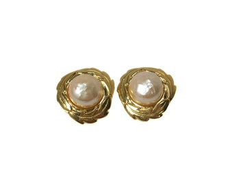 vintage 1980s KARL LAGERFELD pearl earrings / KL / gold / clip on / costume jewelry / statement earrings / laurel leaf / vintage jewelry
