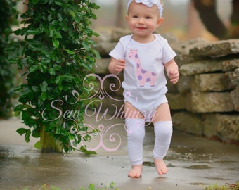 Giraffe shirt or bodysuit- Baby giraffe shirt or bodysuit- Birthday shirt- Girl Giraffe bodysuit- Baby Giraffe shirt- Zoo Trip Shirt- Girl
