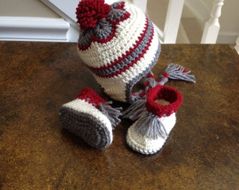 Crochet Baby Gift Set - HAT and BOOTIES - Grey and Deep Red - 3 to 6 months - New Baby Gift