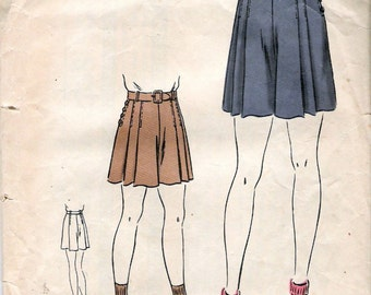 Vintage 1940's Vogue 2238 Girls Shorts Sewing Pattern Size 8 Years