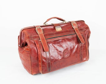 Vintage leather oxblood huge luggage bag / travelling 70s leather bag / hand luggage on wheels /  huge big brown leather handbag /  suitcase