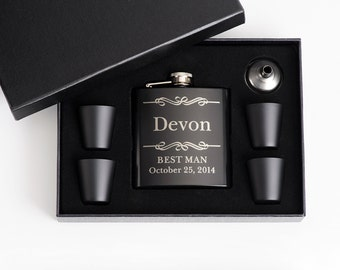 Personalized Flask Set, Wedding Party Favor, Groomsmen Gift, Engraved Flask, Personalised Gift, Father of the Groom Gift, 5 Flask Sets