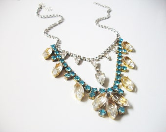 F L O R A Blue Necklace
